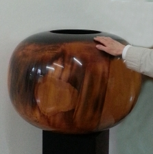 Edward Moulthrop large tulip wood bowl