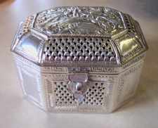 Sterling silver covered box India c1900