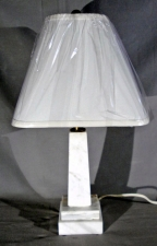 Neo classic obelisk form Italian striated white marble lamp