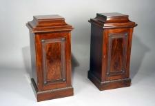 Pair of English Victorian mahogany freestanding pedestals