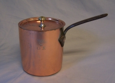 Antique English lidded copper sauce pan
